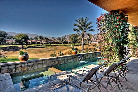 Singer and actor Frankie Avalon has sold his golf course retreat in La Quinta for $955,000.
