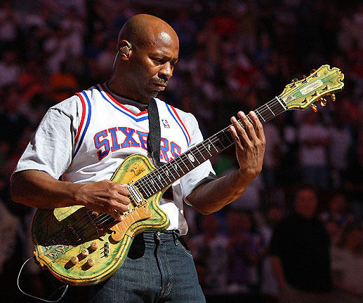 Jay Leno's longtime sidekick/band leader Kevin Eubanks turns 53 today.
