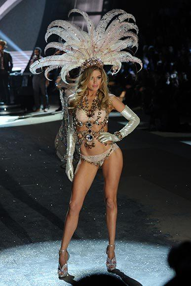 Bedazzled bras and half-clad circus acts: Welcome to the Victoria's Secret fashion show: Doutzen Kroes