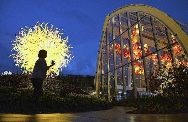 The new Chihuly Garden and Glass exhibition at the Seattle Center is an explosion of color from glass artist Dale Chihuly.