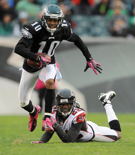 Philadelphia Eagles wide receiver DeSean Jackson (10) runs past Atlanta Falcons cornerback Asante Samuel (22) at Lincoln Financial Field in Philadelphia on Sunday.