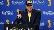 If <b>Phil Jackson</b> is poised to take the Lakers' job the quick firing of Mike Brown created, that means the triangle offense isn't far behind.