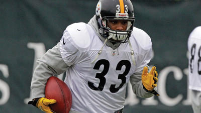 Pittsburgh Steelers running back Isaac Redman participates in the team¿s practice on Wednesday.