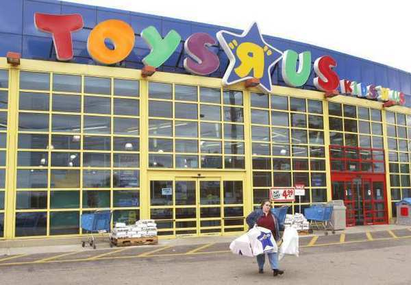 Toys R Us is opening at 8 p.m. Thanksgiving, its earliest Black Friday launch ever.