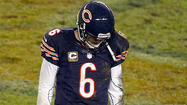 With a knowing glance, Bears quarterback Jay Cutler made eye contact with backup Jason Campbell in the locker room at halftime of Sunday night's 13-6 loss to the Texans.