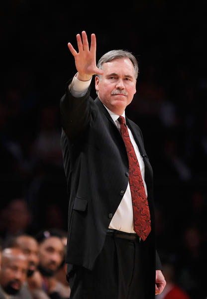 Mike D'Antoni is named Lakers coach, surprising many who figured Phil Jackson was coming back.