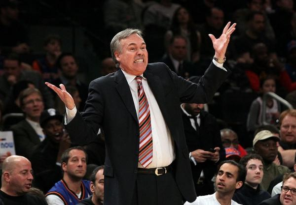 The Lakers hired Mike D'Antoni as their head coach.