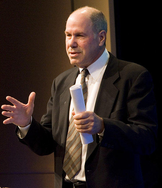 Former Walt Disney Co. Chief Executive Michael Eisner signed a multi-year film distribution deal with Universal Pictures. The larger studio will market and distribute films financed by Eisner's Tornante.