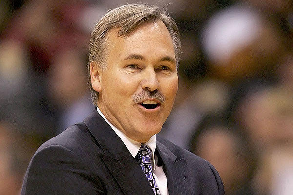 D'Antoni won NBA Coach of the Year in his first full season as head coach of the Phoenix Suns.
