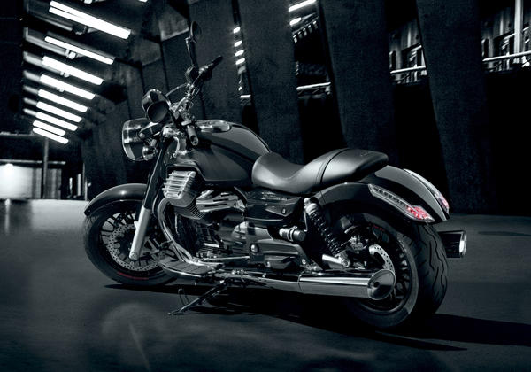 First look at Motoguzzi's super-strong, super-styled street cruiser California 1400.
