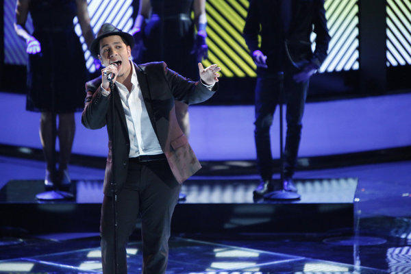 Bryan Keith performs on 'The Voice'