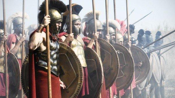 The Spartans prepare for battle.