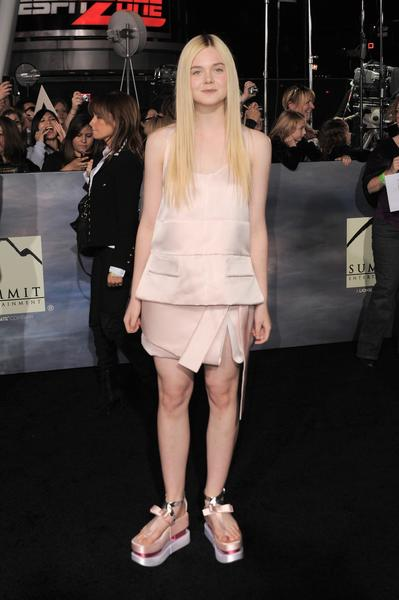 Premiere: 'Twilight Saga: Breaking Dawn -- Part 2': Elle Fanning