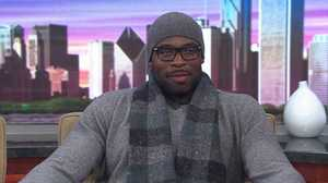Bears Israel Idonije talks concussions, coat drives and stinky lockers