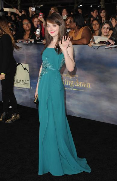 Premiere: 'Twilight Saga: Breaking Dawn -- Part 2': Dakota Fanning