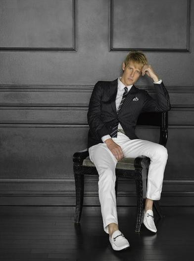 """Revenge"" star Gabriel Mann as Nolan Ross."