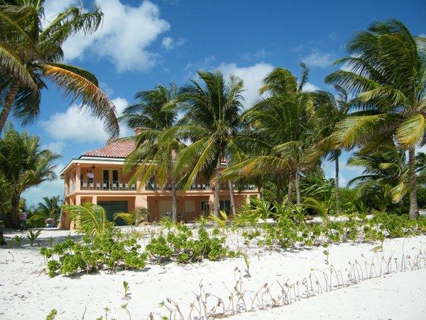 The home where American citizen Gregory Viant Faull died on the island of Ambergris Caye in Belize.