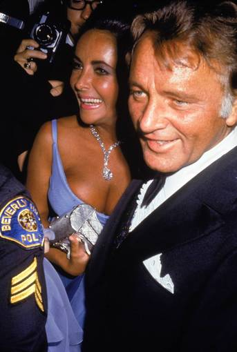 Liz Taylor & Richard Burton at Oscars