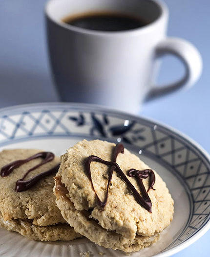 <b>Almond-butter sandwich cookies</b><br> <br> Prep: 25 minutes<br>