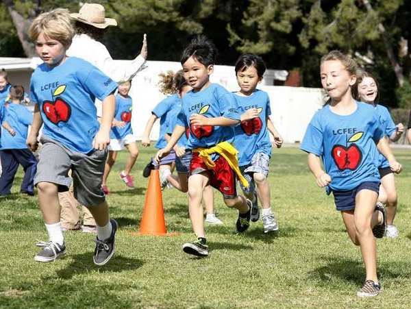 Second grade students at Paradise Canyon Elementary School head into their first lap at the 15th annual Jog-a-Thon for the La Canada Flintridge Educational Foundation on Nov. 14.