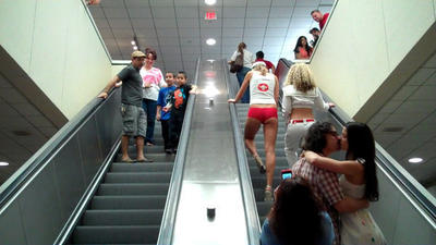VIDEO: Love on an Escalator: A really public PDA