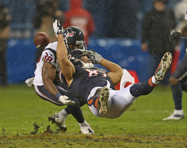 Bears tight end Kellen Davis wasn't happy after a tough game against the Texans.