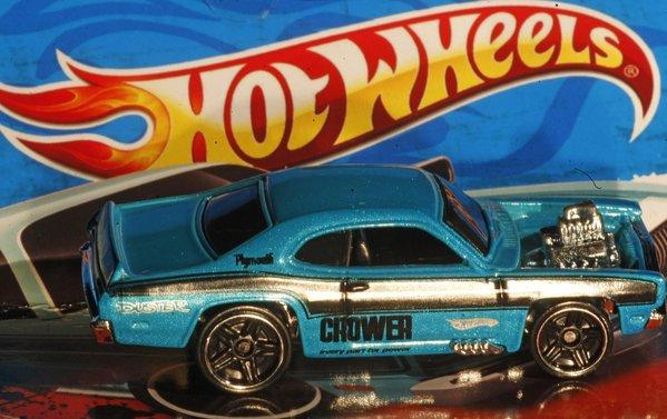 Hot Wheels maker Mattel Inc. reported an increase in sales in the fourth quarter, but saw net income fall due to a litigation charge.