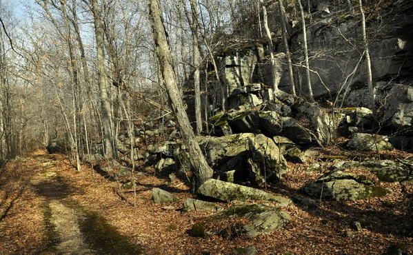"A HIKE ON THE SOUTHERN TRAIL of the Chatfield Hollow State Park will lead to the ""The Z Wall,"" a huge cli¿ and one of the most popular rock climbing spots in the state."