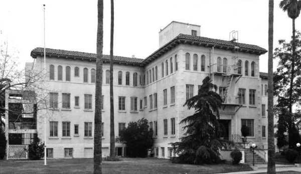 Physicians and Surgeons Hospital began in 1926 and served a rapidly growing population during the 1940s. Later the name was changed to Memorial Hospital of Glendale.
