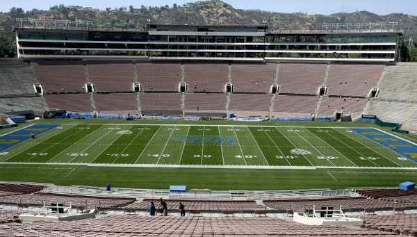 A plan to have the Rose Bowl host an NFL team on a temporary basis comes up for a key vote by the Pasadena City Council on Nov. 19.