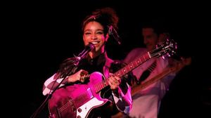 Review: Lianne La Havas stuns a sold-out Roxy