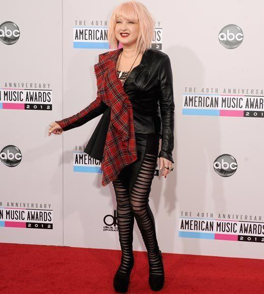 American Music Awards 2012 Red Carpet Arrival Pics: Cyndi Lauper