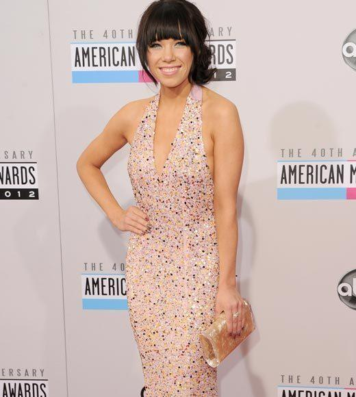 American Music Awards 2012 Red Carpet Arrival Pics: Carly Rae Jepsen