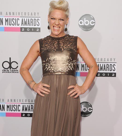 American Music Awards 2012 Red Carpet Arrival Pics: Pink