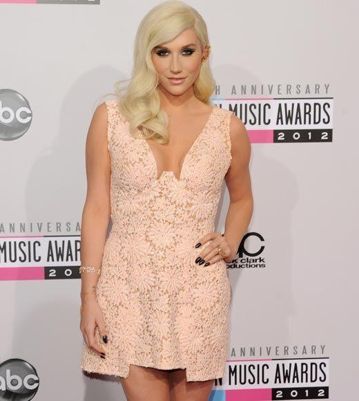 American Music Awards 2012 Red Carpet Arrival Pics: Ke$ha