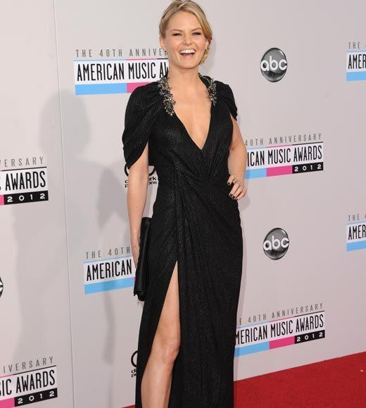 American Music Awards 2012 Red Carpet Arrival Pics: Jennifer Morrison
