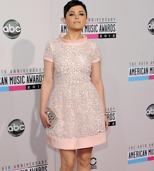 American Music Awards 2012 Red Carpet Arrival Pics: Ginnifer Goodwin