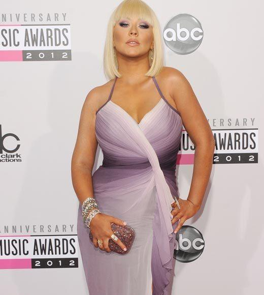 American Music Awards 2012 Red Carpet Arrival Pics: Christina Aguilera