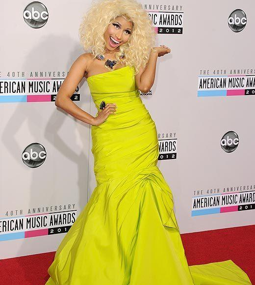 American Music Awards 2012 Red Carpet Arrival Pics: Nicki Minaj