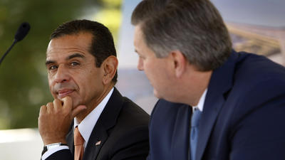Mayor Villaraigosa discusses poverty report with D.C. think tank