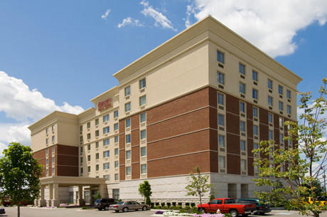 Drury hotels includes extras with every room: wireless interest, HBO, breakfast, evening snacks, soft drinks and popcorn, swimming pool and fitness center and more.