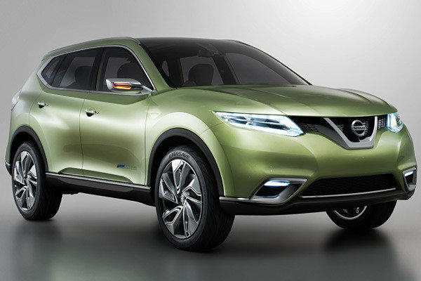 Nissan's Hi-Cross Concept previews the look of the forthcoming Rogue crossover, due out next year.
