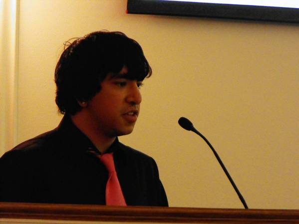 Highland Park High School alumnus Brian Berganza talks about his experience with Family Service's Latino Youth Initiative during a Nov. 13 Highland Park City Council meeting.