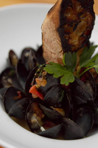 "Mussels at <a href=""http://chicago.metromix.com/venues/mmxchi-pl-zen-venue"" target=""_"">Pl-zen</a>, 1519 W. 18th St. in Pilsen."
