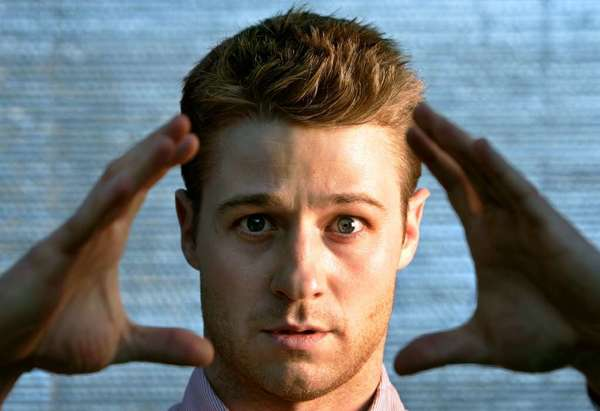 "Ben McKenzie, who stars in the television cop drama ""Southland,""  is part of a roster of guest stars who will make cameo appearances in the new Second City production of ""A Christmas Carol: Twist Your Dickens!"""