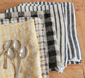 Soft and absorbant linen kitchen cloths from Fog Linen Work in Japan make wonderful gifts for the cook or hostess at the holidays.