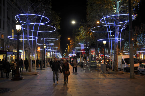 Christmas lights in Paris -- Printemps Haussmann