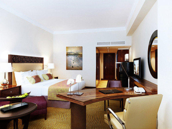 The new Fairmont Makati in metro Manila, Philippines, is offering opening specials.