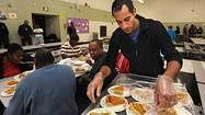 UM students serve Thanksgiving [Pictures]