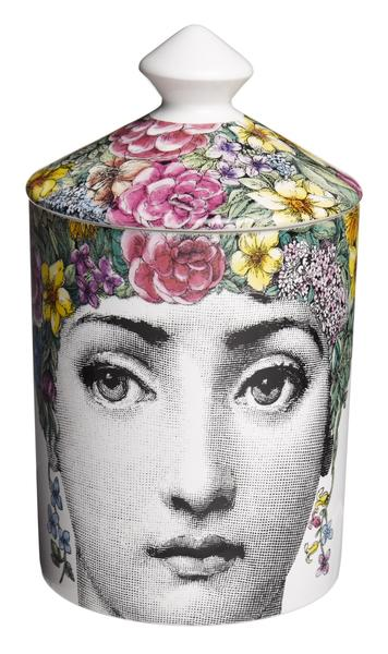 Fornasetti Profumi Flora di Fornasetti candle with a white floral bouquet, including notes of ivy, lily of the valley, iris, jasmine, tuberose, sandalw
